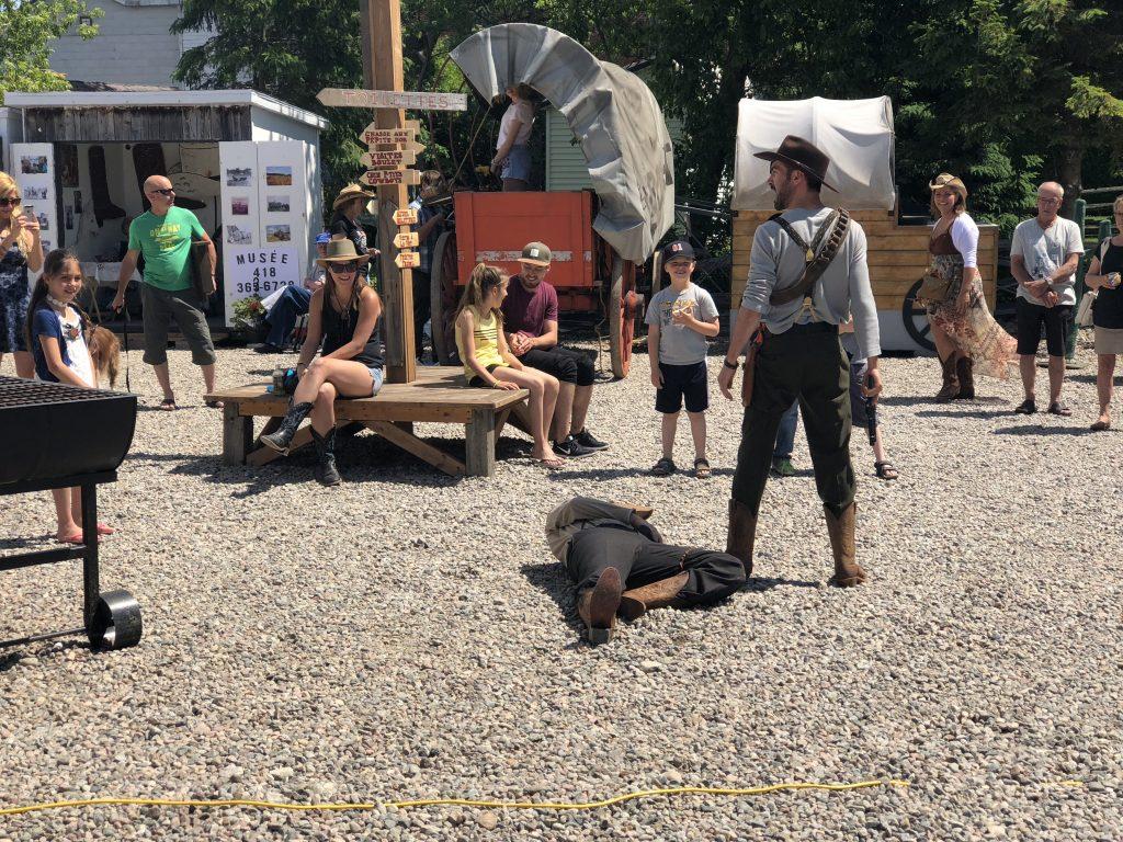 theatre-bang-bang-village-western-kapibouska